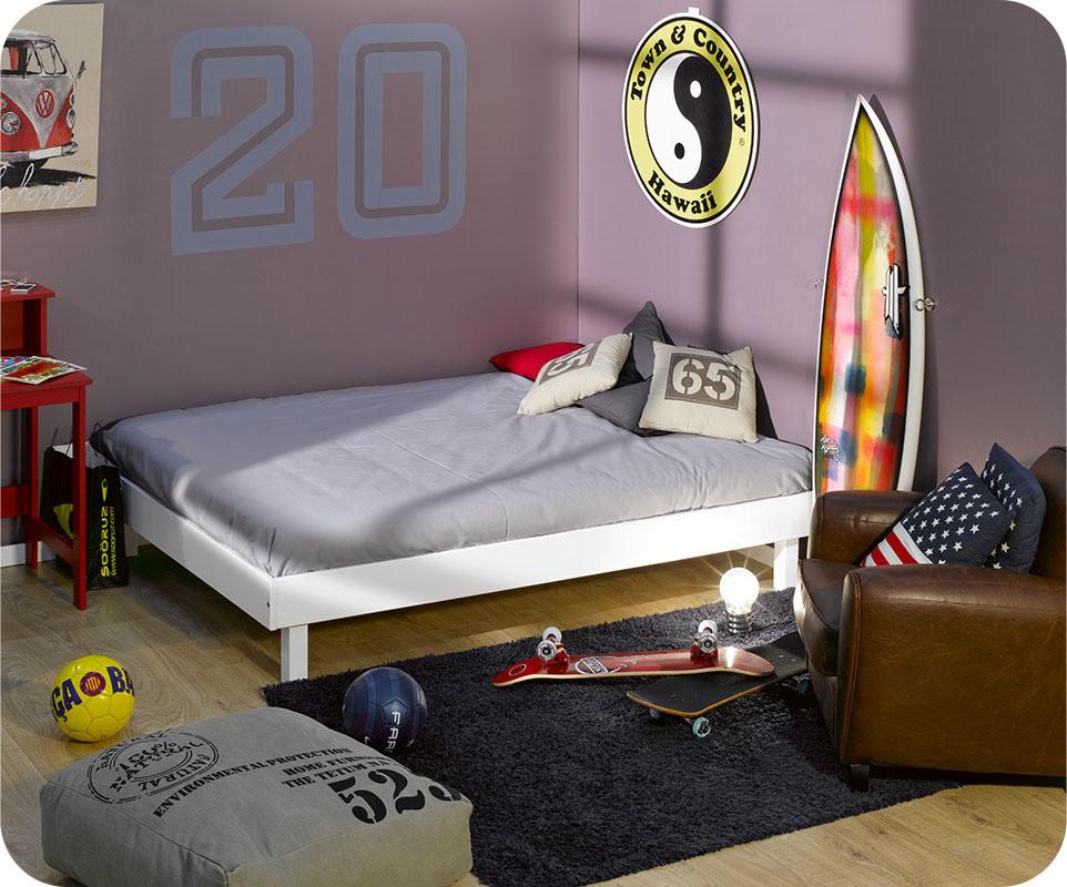lit ado swing blanc 140x190 cm bois massif avec sommier. Black Bedroom Furniture Sets. Home Design Ideas