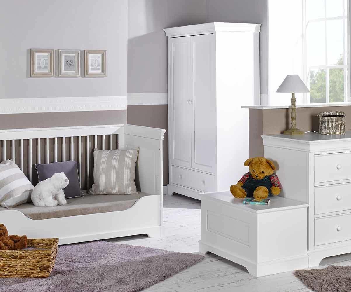 Chambre b b compl te mel blanche avec armoire for Chambre bebe complete evolutive