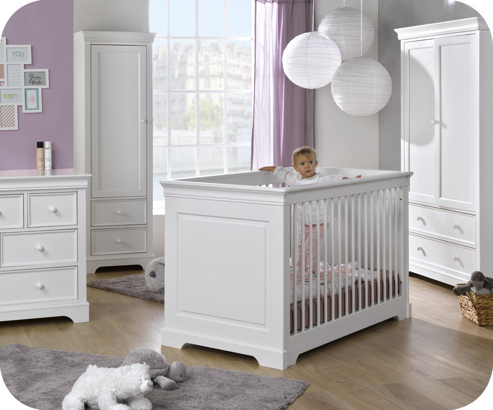 Chambre b b mel blanche for Photo chambre bebe