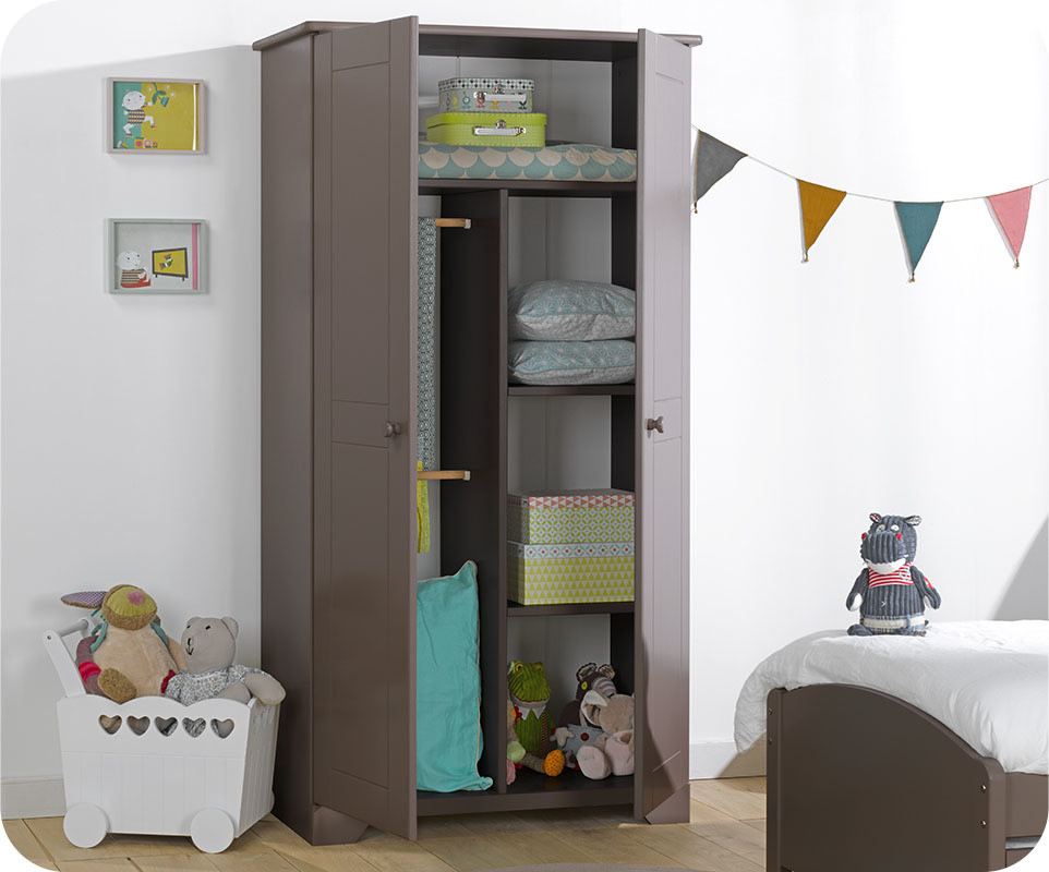 chambre enfant nature taupe avec armoire enfant. Black Bedroom Furniture Sets. Home Design Ideas