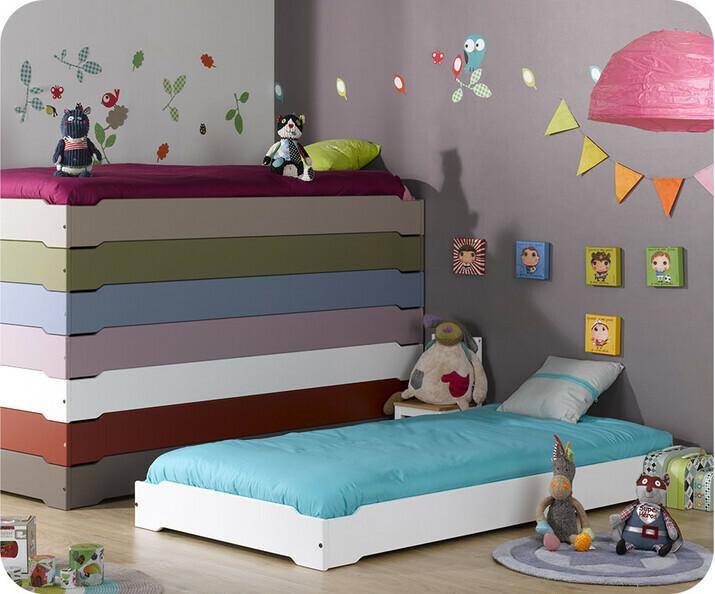 lit enfant empilable en bois massif fabriqu en france livr avec sommier ma chambre d 39 enfant. Black Bedroom Furniture Sets. Home Design Ideas